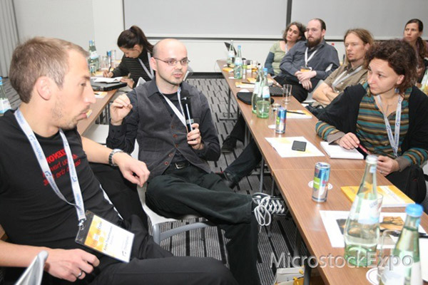 Robert Kneschke speaking during the audience discussion at Microstock Expo